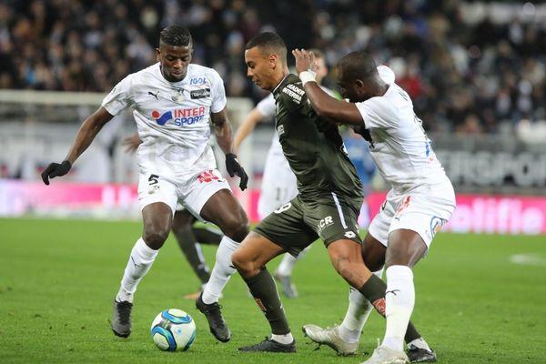Dijon a fait match nul à Amiens samedi 14 décembre dans le cadre de la 18e journée de championnat de Ligue 1.