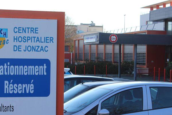 L'hôpital de Jonzac (Charente-Maritime), où a exercé Joël Le Scouarnec entre 2008 et 2017