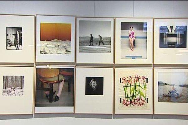 """Une galerie privée propose au public aurillacois de s'offrir les clichés d'une dizaine de photographes. """"Je pense qu'il y a un vrai marché"""", estime l'une des responsables du projet."""