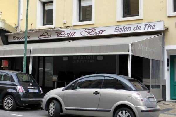 """Six personnes ont été mises en examen, entre le 2 et le 6 avril, dans le cadre de l'enquête sur les finances de la bande dite du """"Petit Bar""""."""