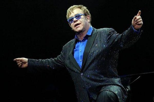 Elton John lors d'un concert à Pékin (Chine) le 25 novembre 2012