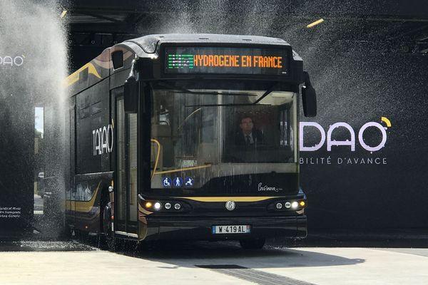 Un bus innovant dans le bassin minier.