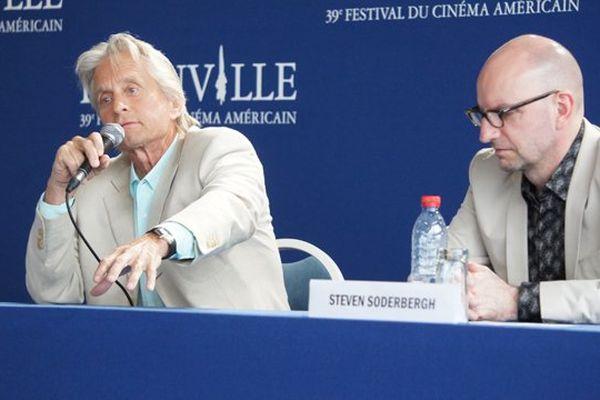 """Michael Douglas et Steven Soderbergh ont présenté vendredi en ouverture du festival """"Ma vie avec Liberace"""""""