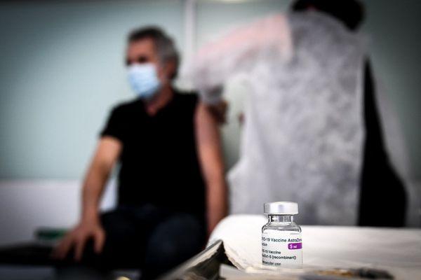 Des doses supplémentaires de vaccin ont été allouées aux départements placés en surveillance renforcée.