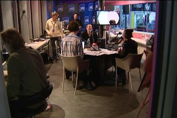 Et oui, c'est Garou à la radio !