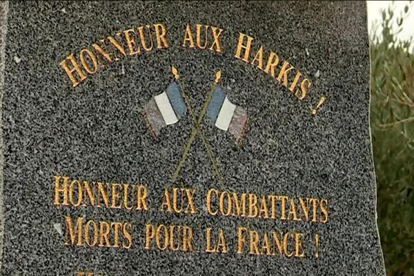 Stèle en hommage aux combattants harkis à Saint-Laurent-des-Arbres (Gard), en 2019.
