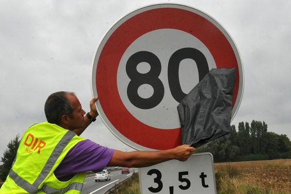 80 pour tous partout en dehors des agglomérations à l'exception des autoroutes.