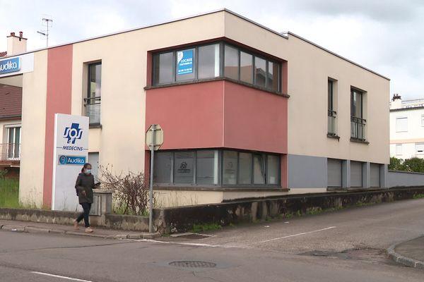 Après l'agression de l'un de leurs collègues, les médecins de SOS n'accueilleront plus de patients après 20 heures et refuseront les visites à domicile sur la commune.