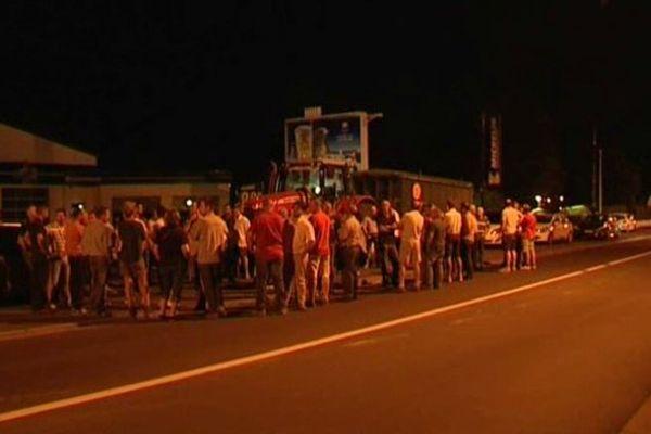 Opération coup de poing des agriculteurs à Saint-Maur dans l'Indre