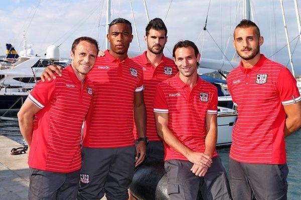 Les cinq recrues acéistes sur le port d'Ajaccio le jour de la présentation du maillot 2013-2014