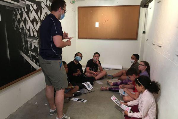 Les enfants des centres sociaux Vallée St Pierre et Emile Schmit ont lu et expliqué des lettres de résistants
