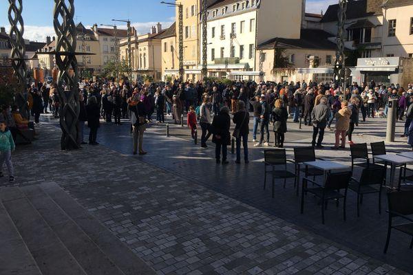 Rassemblement en hommage à Samuel Paty, à Chalon-sur-Saône.
