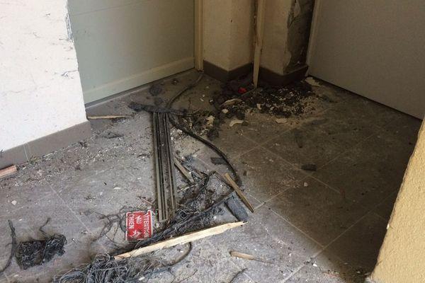A Clapiers, les forces de l'ordre avaient fait sauter la porte de l'appartement où logeait Thomas, 20 ans qui projetait un attentant contre la Tour Eiffel.
