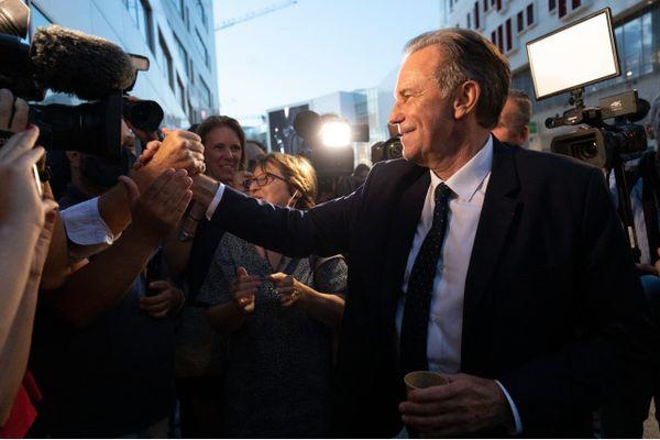 Bénéficiant du retrait du candidat de l'union de la gauche et des écologistes Jean-Laurent Félizia, Renaud Muselier est reconduit pour six ans à la tête du conseil régional, qu'il préside déjà depuis 2017