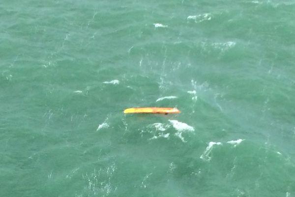 Le kayakiste, inconscient, a été transporté à l'hôpital de Fécamp.
