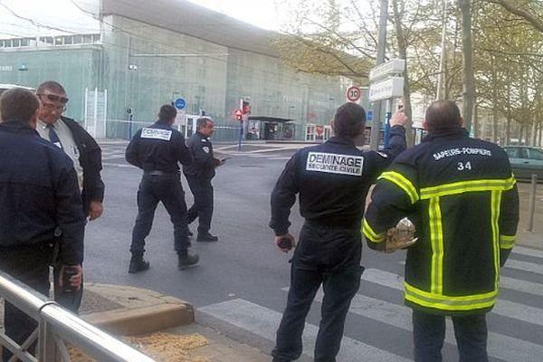 Montpellier - alerte aux colis suspects. Le site est évacué. Les démineurs sont sur place - 31 mars 3014.