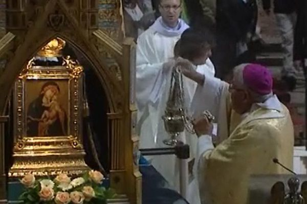 Les fidèles ont finalement rendu hommage à Notre Dame de Grâce dans la cathédrale de Cambrai.