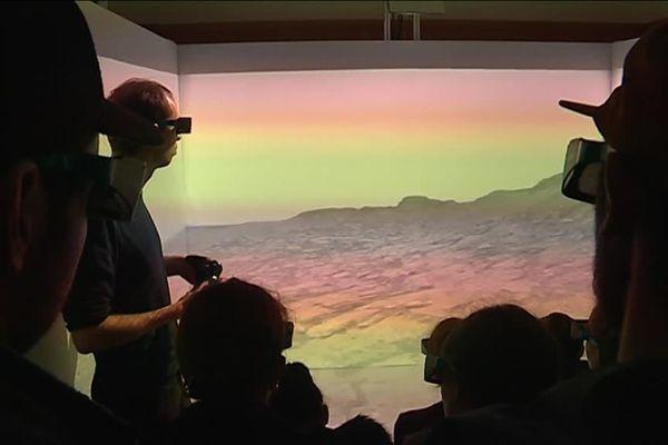Présentation de la planète Mars en réalité virtuelle par la société VR2Planets au festival Les Utopiales de Nantes