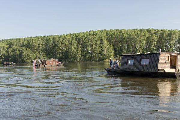 La toue cabanée, un bateau traditionnel de Loire que certains ont transformé en hébergement insolite