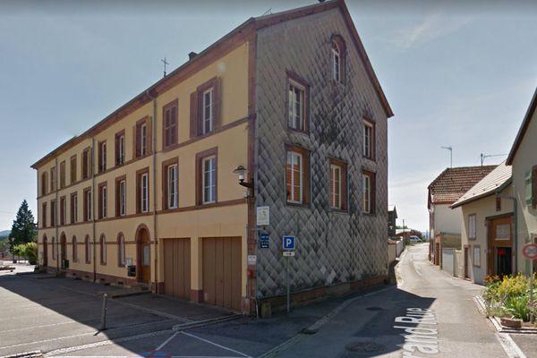 L'école des Fontaine de Saâles, dans la haute vallée de la Bruche, souffre d'un manque de moyens selon les parents d'élèves.