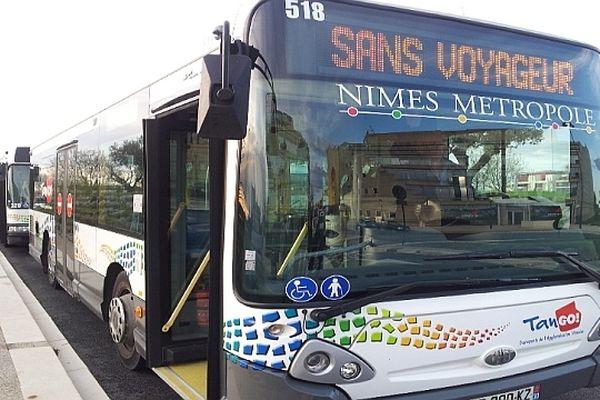 Nîmes : grève d'une heure des salariés des bus urbains du réseau Tango - 12 avril 2013.