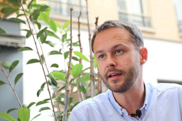 David Belliard, adjoint à la maire de Paris (EELV) en charge des transports et des mobilités, espère pérenniser les coronapistes.