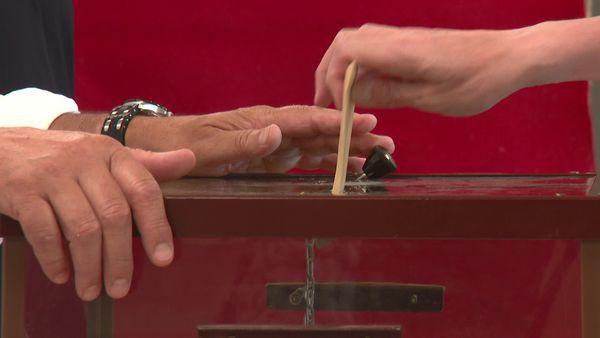 ILLUSTRATION - un vote lors du premier tour des élections territoriales en Corse