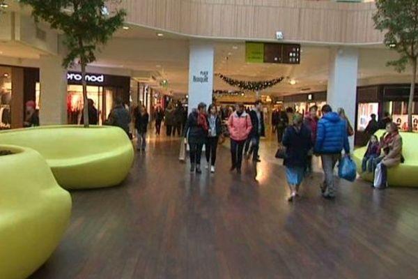 Pas le grand rush au centre commercial de la place des Halles