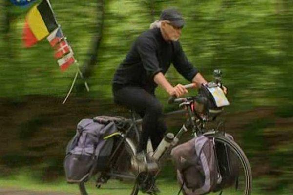 Le Montargois André Van Puymbroeck partira le 8 mai pour une aventure de 8 000 km à vélo  à travers l'Europe de l'Est