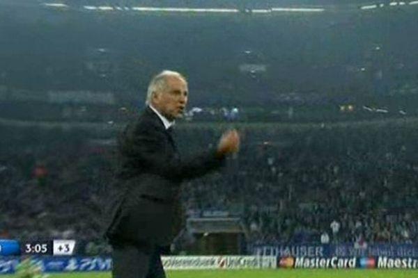 René Girard s'emporte en fin de match contre l'entraîneur de Schalke 04 - 3 octobre 2012