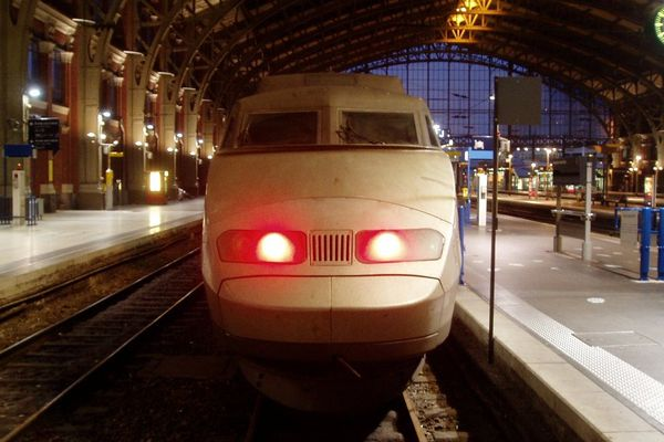 Un TGV en gare de Lille.