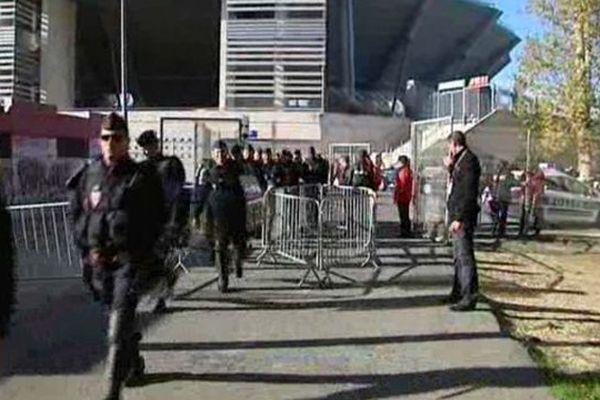 Montpellier : les forces de l'ordre au stade de La Mosson - 2012
