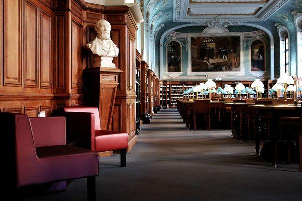 Salle Jacqueline de Romilly à la bibliothèque de la Sorbonne à Paris.
