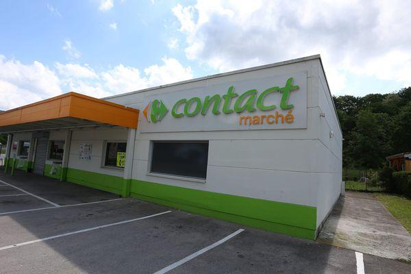 Le magasin Carrefour contact marché de Pont-de-Roide dans le Doubs.
