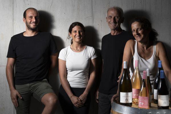 Dans leur entreprise, Andria et Laura Mondange peuvent compter sur le soutien de leurs parents, Jean et Françoise.