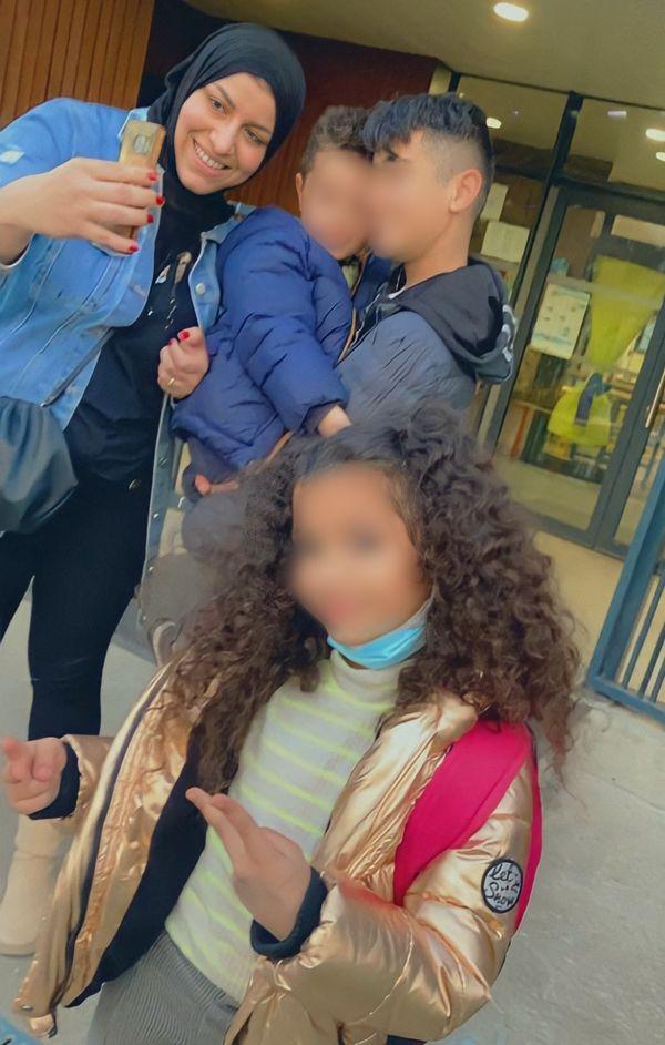 Chahinez D. avec ses enfants. Elle est décédée mardi 5 mai, tuée par son mari.