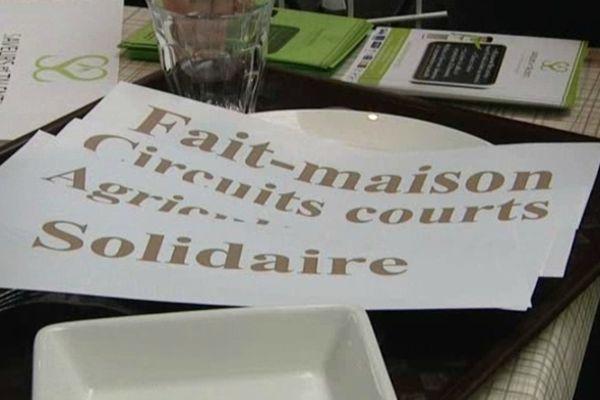"""Le stand de l'association """"Saveurs et talents"""" St Jean de Braye (Loiret)"""