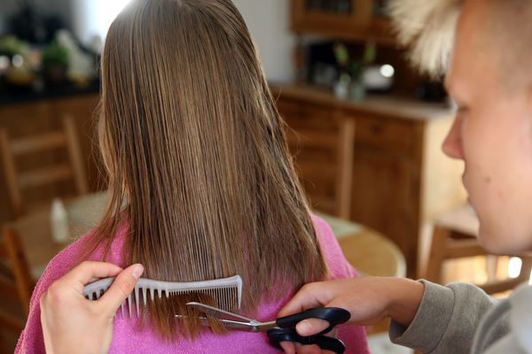 Dans quelle condition les coiffeurs vont-ils reprendre le travail ? Photo d'illustration
