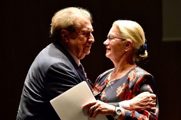 François Florent Eichholtzer lors d'une des ses visites à Mulhouse, avec la maire de la ville, Michèle Lutz.