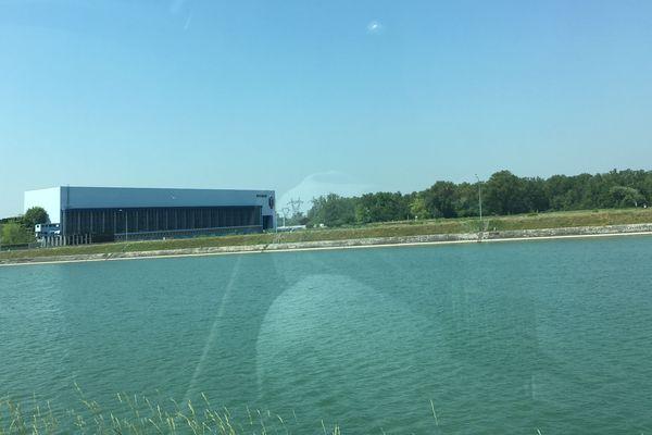 L'usine hydro-électrique de Rhinau.