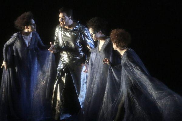 """""""La Flûte Enchantée"""", mise en scène de Pierrick Sorin et Luc de Wit."""