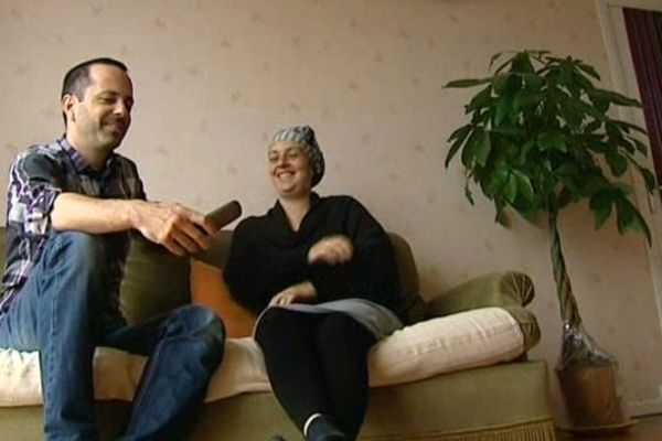 Ce jeune couple explique son choix de non vaccination