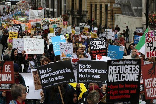 Manifestation de soutien aux réfugiés ce samedi à Lodnres.