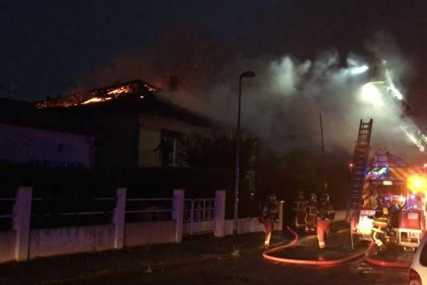 L'incendie s'est déclaré vers 21h.