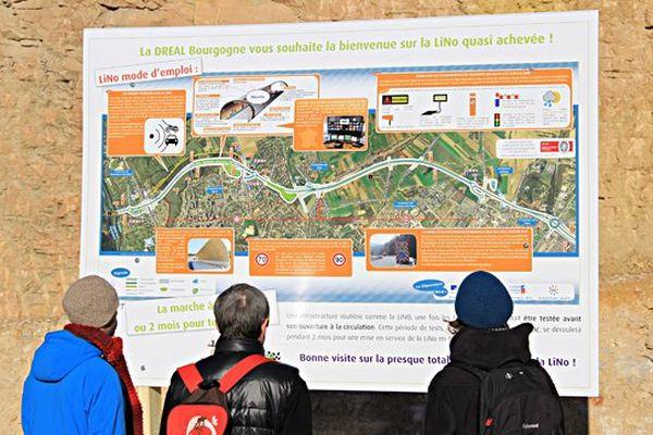 A  compter du 10 février 2014, des dizaines de milliers de véhicules vont emprunter la LiNo. Les usagers de cette route peuvent prendre connaissance des consignes de sécurité grâce aux panneaux pédagogiques réaliséspar la DREAL Bourgogne.