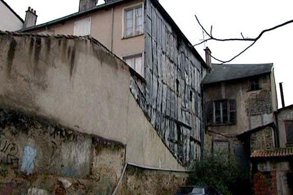 Immeuble vétuste dans le centre de Limoges