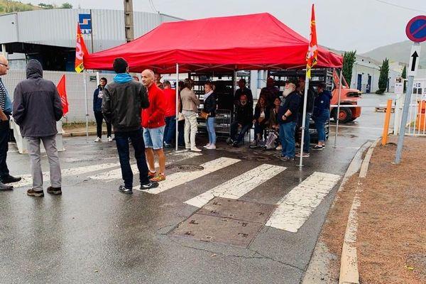 Viviez (Aveyron) : les salariés en grève bloquent l'usine SAM
