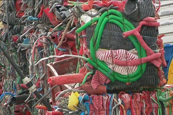 Reviplast recycle près de 5 000 tonnes de plastique par an à Couzeix.