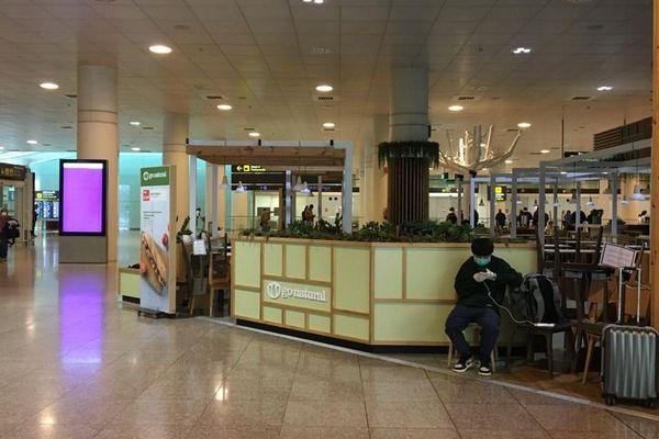 Barcelone - Les passagers sont peu nombreux à l'aéroport de Barcelone - 17.03.20