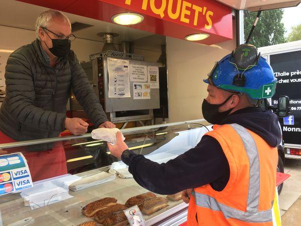 Le friand ardennais pris sur le pouce pendant sa pause déjeuner, une manière d'échapper au traditionnel sandwich